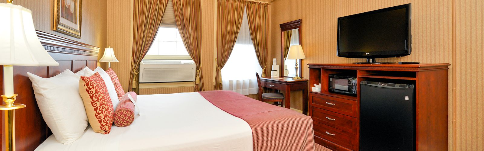 Genetti Hotel & Suites - King Traditional