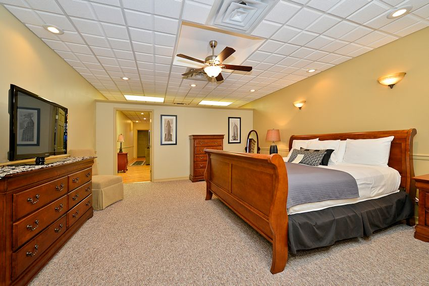 Traditional King Suites