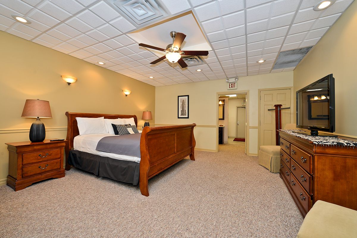 Genetti Hotel Guestroom Suites Accommodations