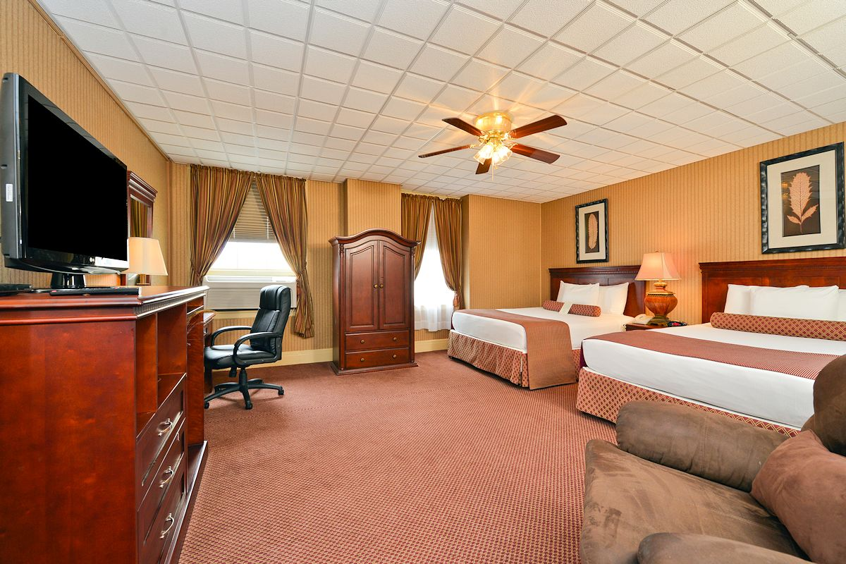 Genetti Hotel Guestroom & Suites Accommodations